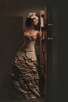 Lady of the paper Photographer: Dmitry Loginov Paper Fashion, Fashion Art, Fashion Design, Paper Dress Art, Paper Dresses, Paper Clothes, Diy Clothes, Cardboard Costume, Crazy Dresses