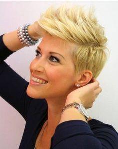 Faux Hawk Hairstyle: Women Short Hair Short Punk Hair, Short Layered Haircuts, Cute Hairstyles For Short Hair, Short Hair Cuts, Short Hair Styles, Short Blonde, Pixie Cuts, Hairstyles 2016, Blonde Pixie