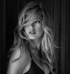 If you don't know Doutzen Kroes by know, please get out of the cave. Carefully selected top 50 most beautiful Doutzen Kroes face shots. The Face, Long Bangs, Doutzen Kroes, Great Hair, Awesome Hair, Pretty Hairstyles, Short Hairstyle, Pretty Face, Her Hair
