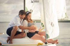Já apresentado nossa Helena ao mundo náutico... Foto @marcellovasconcelos #helenaonboard #gravida #pregnant #barco #veleiro #vela #sail #sailboat #barcoavela #praiadojacare #ensaio #grávida #fotografia #photography by ccnobrega