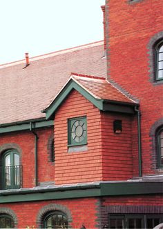 """Керамическая черепица Dreadnought tiles """"Plum Red"""" - Это традиционные черепичные """"красные крыши"""" заводов и фабрик Бирмингема, центра Британской промышленности"""