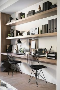 Breathtaking small bedroom home office design ideas Home Office Space, Home Office Design, Office Desk, Office Setup, Office Shelving, Shelving Ideas, Office Art, Bedroom Shelving, Tiny Home Office