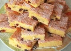 Hrnkový tvarohový koláč, se kterým žádnou návštěvu neurazíte - Sponge Cake, Apple Pie, Waffles, Cake Recipes, French Toast, Pork, Sweets, Baking, Breakfast