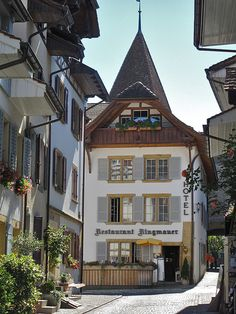 Picturesque streets in Murten, Fribourg Canton, Switzerland (by MyKugelhopf).