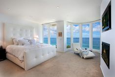 Too gorgeous. I'd kill for a beach house like this!
