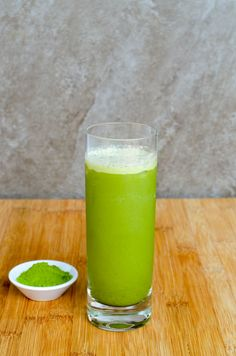 I've been obsessed with my Matcha Green Tea Latte recipe. It's refreshing and gives me a great afternoon boost. Healthy Life, Healthy Snacks, Green Tea Dessert, Matcha Latte Recipe, Matcha Green Tea Latte, Matcha Cake, Green Tea Powder, Tea Recipes, Nutrition Tips