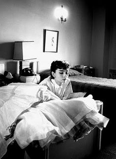 Two things i heart---Audrey Hepburn and reading in bed