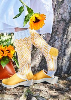 Clogs, Kitenge, Skirt Outfits, Knitting Socks, Leg Warmers, Handicraft, Mittens, Knit Crochet, Winter Fashion