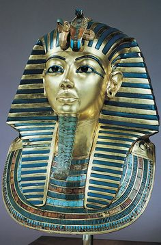 Death mask of Tutankhamen, from the innermost coffin in his tomb at Thebes, Egypt, Dynasty XVIII ca 1323 bce