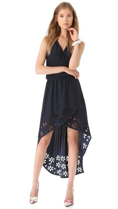 Laser-cut posies trace the hi-low hem of a silk-charmeuse Parker dress, adding a modern flourish to an elegant faux-wrap construction. Bold Fashion, Fashion Beauty, Womens Fashion, Fashion Design, Super Cute Dresses, Tees, Pretty Outfits, Passion For Fashion, Dress To Impress