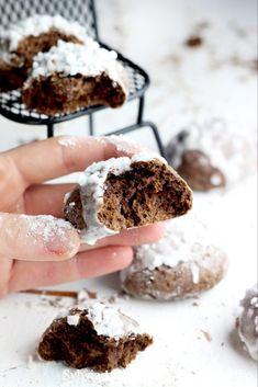 Pierniczki - miękkie i puszyste Ginger cookies Sweet Recipes, Cake Recipes, Dessert Recipes, Delicious Desserts, Yummy Food, Cinnabon, Ginger Cookies, Food Cakes, Food Festival