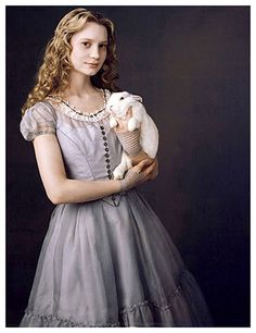 My Alice costume will look like this. I ♥ the White Rabbit!