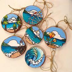 Santa Cruz Northern California inspired handpainted ornaments – My CMS Hand Painted Ornaments, Wood Ornaments, Rock Crafts, Arts And Crafts, Wood Slice Crafts, Painted Rocks, Painted Wood, Wooden Art, Wood Slices