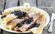 Naleśniki drożdżowe z owocami French Toast, Breakfast, Projects, Food, Pancakes, Morning Coffee, Log Projects, Blue Prints, Essen