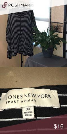 Jones New York long sleeved Top Dressy, long sleeved top. Sides longer than center. Jones New York great for work or play. Jones New York Tops