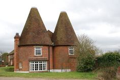 Where are you staying while in England? An oast house on the Kent/Sussex border!