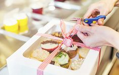 Sustainable retail packaging is thus important for manufacturers since it allows them to offer a safer product while enhancing the brand message. Here are three vital areas where sustainability is making a huge impact on food packaging. Retail Packaging, Food Packaging, Holiday Jobs, Paper Carrier Bags, Reusable Food Wrap, Best Gift Baskets, Cocoa Cake, Salted Caramel Cupcakes, Cream Cheese Danish
