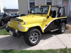 Nice color combo on this Jeep! Pittsburgh Steelers Football, Pittsburgh Sports, Wheels And Tires, Car Wheels, Steelers Terrible Towel, Here We Go Steelers, Mustang Wheels, Vintage Jeep, Autos
