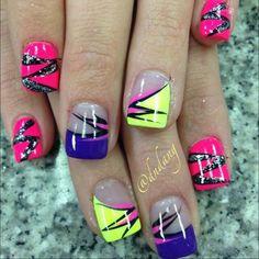 Pink purple black and yellow zig zag summer nailart #nailart #nails #pink #purple #black #yellow #neon #zigzag #summer