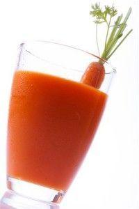Sumo de cenoura para perder barriga