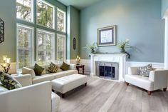TORLYS EverWood - Beach House © TORLYS  http://www.torlys.com/residential/products/everwood-evertile/everwood-premier/  #torlys #EverWood #flooring #gqflooring #LivingRoom