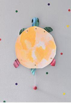 DIY Turtle Mobile //  Créations DIY avec Les malheurs de Sophie Author, Artist, Diy, Bricolage, Artists, Writers, Do It Yourself, Homemade, Diys