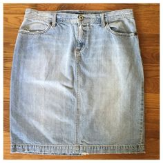 J. Crew Distressed Denim Jean Skirt --- Sz 10 J. Crew Distressed Denim Jean Skirt --- Sz 10 --- good used condition --- 100% cotton --- the waist measures 16.75 inches when flat --- the length measures 21.5 inches --- 7 inch back vent ---  four pocket styling --- thank you for visiting my boutique, please feel free to ask any questions  J. Crew Skirts