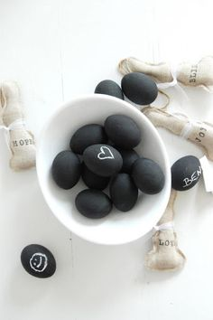 Chalkboard paint eggs ♥