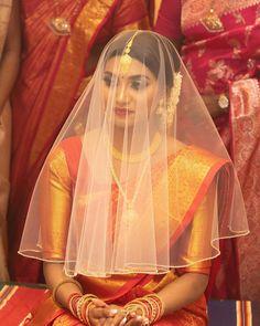 digital (@flashdigital.no) on Instagram #wedding #hinduweddings #bridal #bridaljewellery #bridalmakeup #weddingphotography #tamil #tamilbride #makeup #wedding #hinduweddings #anujahairandmakeup Tamil Wedding, Wedding Veil, Kanjivaram Sarees, Silk Sarees, Tamil Brides, Indian Bridal Fashion, Saree Look, Bridal Jewelry, Gold Jewelry