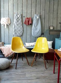 Shell chairs on dowel bases
