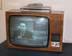 Socialist State, Warsaw Pact, Central And Eastern Europe, Vintage Tv, Old Pictures, Childhood Memories, Traditional, Antiquities, Cots