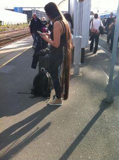 Long hair down to her feet