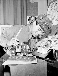 American animator and jazz trombonist Ward Kimball working on Casey Jr., the steam locomotive of Dumbo. Kimball was one of Walt Disney's dream team of animators, known as Disney's Nine Old Men. First Animation, Walt Disney Animation, Animation Film, Disney Movies, Disney Pixar, Disney Magical World, Disney Names, Walt Disney Co, Disney Artists