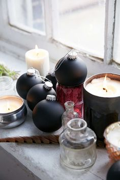 Matte black Glass Ball Ornament Set - Urban Outfitters