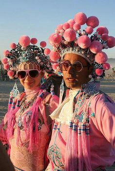 Pink Playa People by siberfi Festival Trends, Look Festival, Festival Mode, Festival Wear, Festival Fashion, Festival Hats, Burning Man Outfits, Burning Man Fashion, Africa Burn