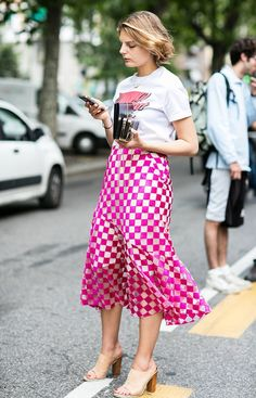 10 Graphic Tee Outfits to Try This Fall : Here are 10 fresh ways to style your graphic tees this season, plus the best ones to shop now. Modest Fashion, Skirt Fashion, Love Fashion, Fashion Outfits, Womens Fashion, Fashion Trends, Modest Outfits, Fashion Killa, Fashion Ideas