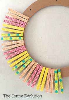 Clothes pin crafts wreaths 31 ideas for 2019 How To Make Wreaths, Crafts To Make, Crafts For Kids, Arts And Crafts, Clothes Pin Wreath, Clothes Pegs, Wreath Crafts, Diy Wreath, Clothespin Crafts