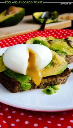 Egg and Avocado Toast. Use a gluten-free bread for this delicious combination! | giverecipe.com | #egg #avocado