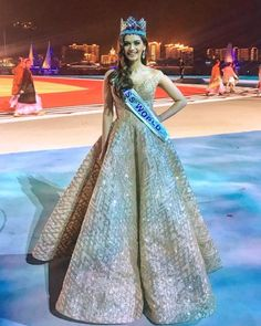 Love Miss World Manushi Chhillar's peach saree? Its price will leave you stunned Bollywood Fashion, Bollywood Actress, Miss Mundo, Miss Univers, Pageant Girls, Stylish Sarees, Dress Indian Style, Miss World, Teen Fashion Outfits