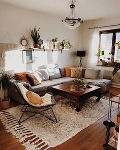 Boho Living Room, Small Living Rooms, Living Room Designs, Living Room Decor On A Budget, Bohemian Living, Mid Century Modern Living Room, Room Wall Decor, Home Decor, Decor Crafts