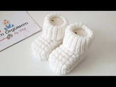 Mauszahn Booties Modell - Baby and children - Crochet,knitting and all others Knit Baby Dress, Knitted Baby Clothes, Baby Scarf, Crochet Baby Booties, Baby Booties Knitting Pattern, Knitted Booties, Baby Knitting Patterns, Knitting Socks, Diy Crafts Knitting