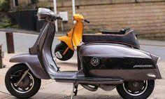 Lambretta... Scooter Bike, Lambretta Scooter, Vespa Scooters, Motor Scooters, Mini Bike, Sidecar, Cars And Motorcycles, Motorbikes, Biking