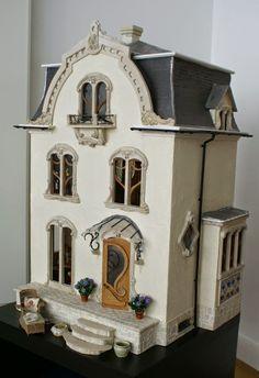 Petit cabinet de curiosités: Art Nouveau House (jt-go to blog for another view of this beautiful Art Nouveau dolls house)