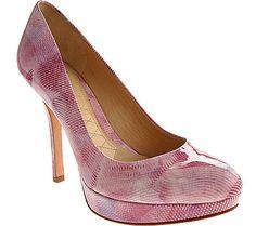 this pink shoe...i like!