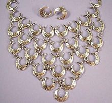 RARE Vintage Karu MarIno Silver Bib Necklace and Earrings Set  Think you can tell that I like larger statement pieces.