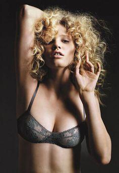 Lara Stone Eres lingerie ad 2009
