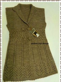 This Pin was discovered by Züb Knit Vest Pattern, Crochet Jacket, Knit Crochet, Baby Knitting Patterns, Knitting Designs, Pullover Design, Sweater Design, Crochet Dress Outfits, Stylish Dress Designs