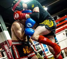 Muay Thai fighters CLINCH to gain control during a fight – setting the stage for devastating strikes. read about chokes/holds in bio -- #tagmuaythai #muaythai #fight #thaiboxing #muaythailife #clinch #sparring #legday #armday #cardio #fitfam #ufcgym #mma #martialarts #selfdefense #NoVA #DC #vsco
