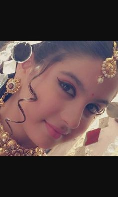 Beautiful Indian Actress, Beautiful Actresses, Tunisha Sharma, Superman Wallpaper, Indian Teen, Poison Ivy, Actor Model, Side View, Beautiful Children