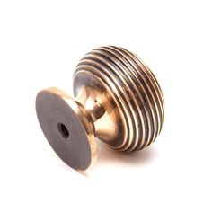An exceptionally stylish beehive cabinet knob which has a wonderfully rich bronze finish. Will look great on painted chests of drawers, kitchen cabinets and various areas around the home. Also matches the door knobs in Ebony. A great addition to any room and manufactured to a very high quality. Sold as a single item with M4 screw and is available in two sizes. Kitchen Knobs, Kitchen Cabinet Remodel, Kitchen Drawers, Kitchen Paint, Diy Kitchen, Kitchen Hardware, Cupboards, Kitchen Ideas, Kitchen Cabinets